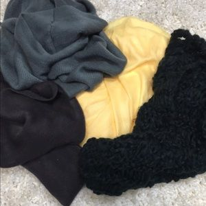 Lot of 4 scarves